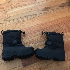 North side Thinsulate lined snow boots